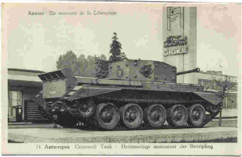 De tank stond op de Boomse Steenweg rechtover de garage van Permeke